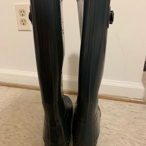 AUTHENTIC HUNTER BOOTS SIZE 8.5